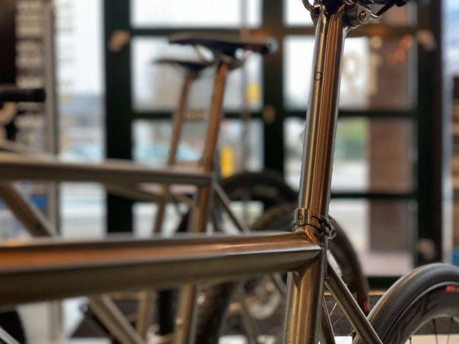 J Guillem titanium fiets